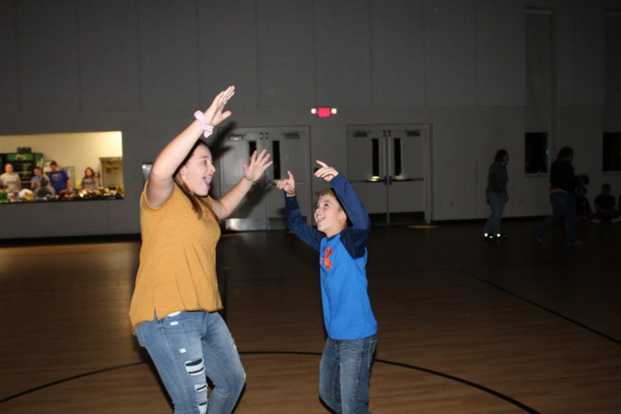 Student Council hosts Fall Dance for junior high students