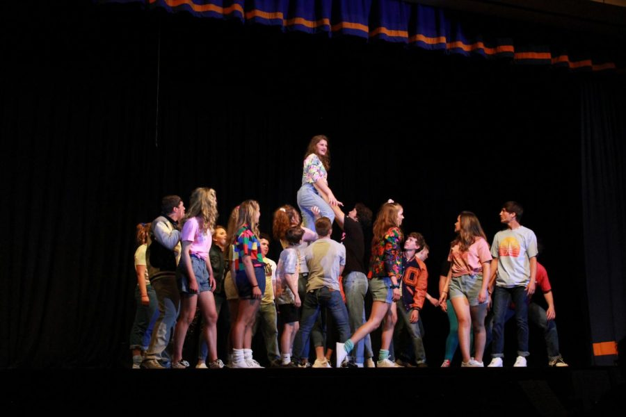 Drama Club Heads Back to the 80's